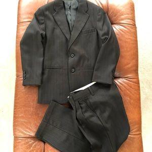 Arrow Black Pinstripe 2 Piece Suit Jacket Pants 10